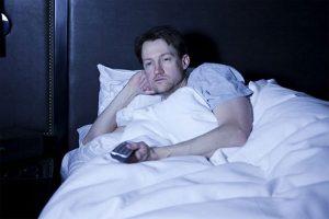 Is it Healthy to Watch TV Before Sleeping